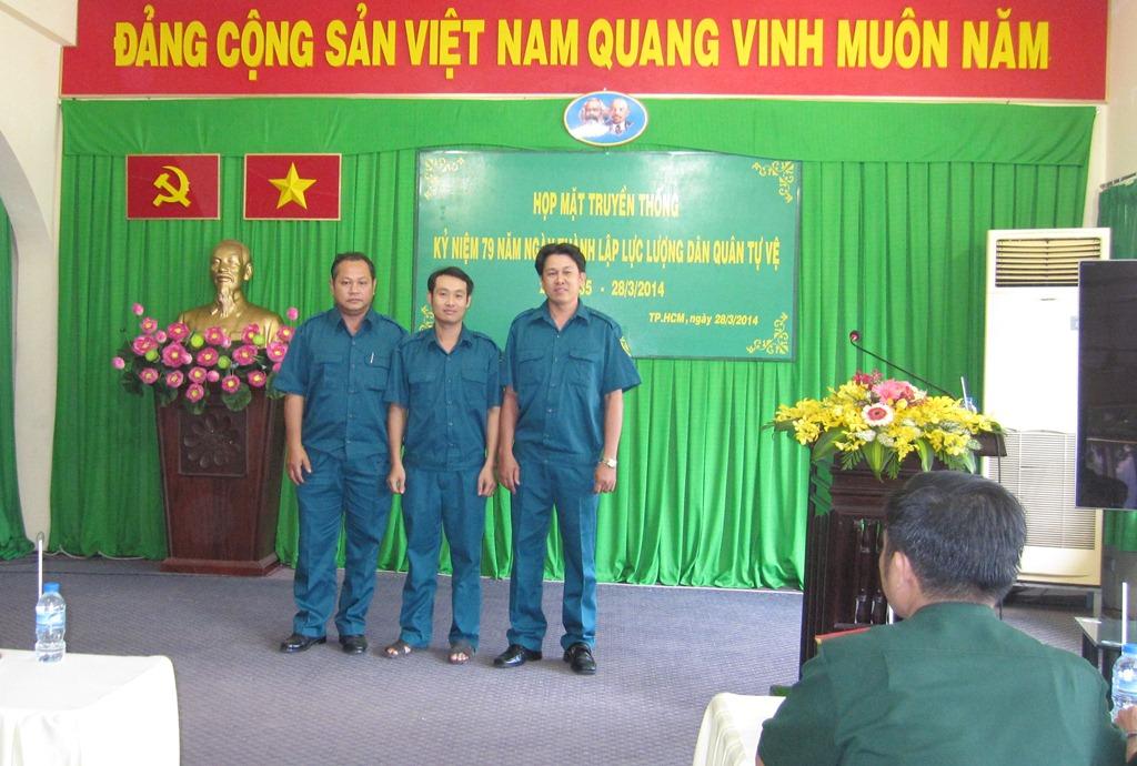 Ra mắt Ban chỉ huy quân sự tự vệ công ty