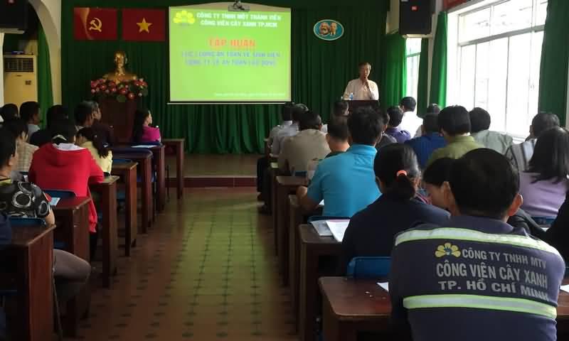 Tập huấn vệ sinh, an toàn lao động năm 2015