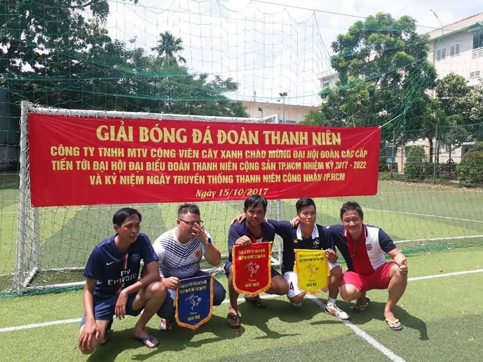 Đoàn Thanh niên công ty tổ chức giải bóng đá thường niên