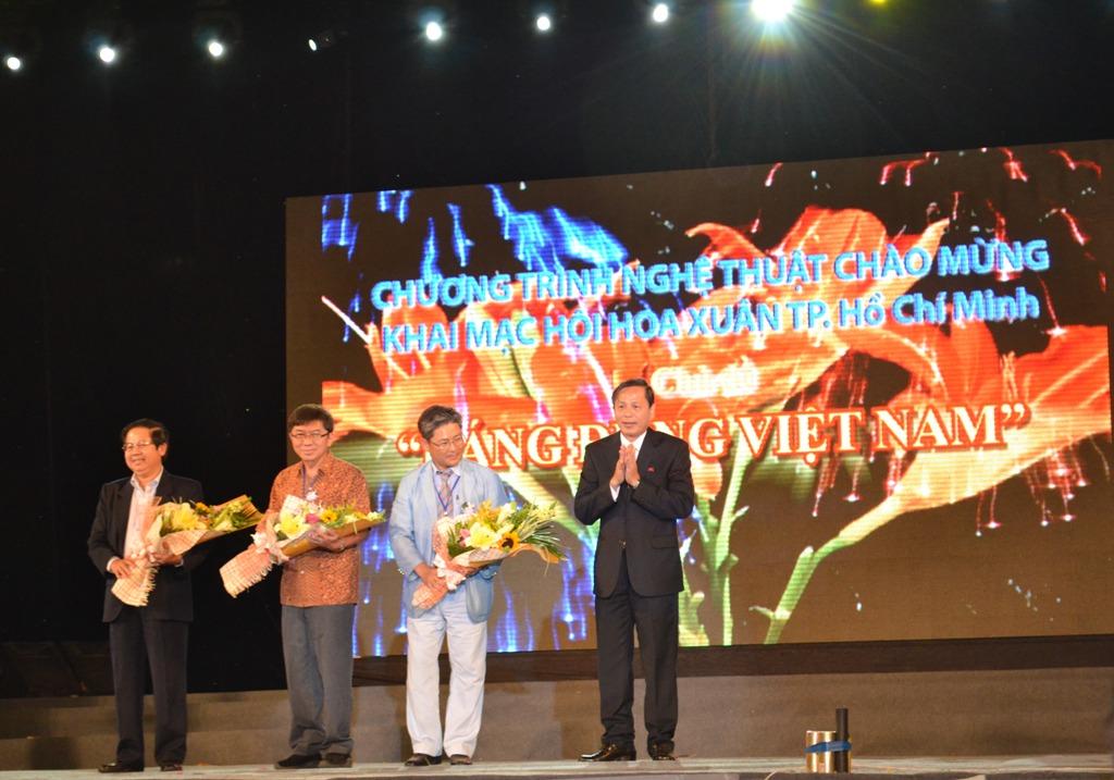 Ấn tượng lễ khai mạc Hội Hoa Xuân 2013